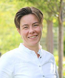 Yvonne Faust